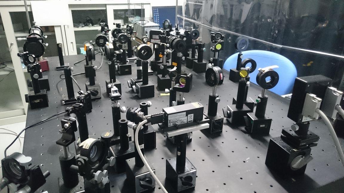 応用波動光学研究室
